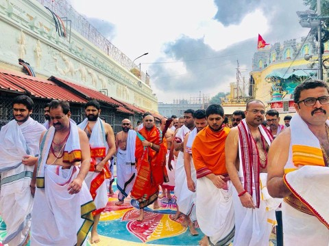 H.H Shri Swamiji's visit to Shri Vari Temple, Tirumala